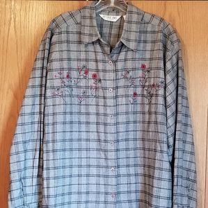 Victoria Jones Woman 2x gray shirt